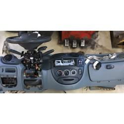 Prístrojovka Renault Megane I